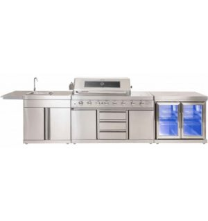 Ambassador Outdoor Kitchen with white stone top