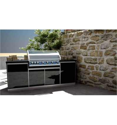 THE COMPACT OUTDOOR KITCHEN